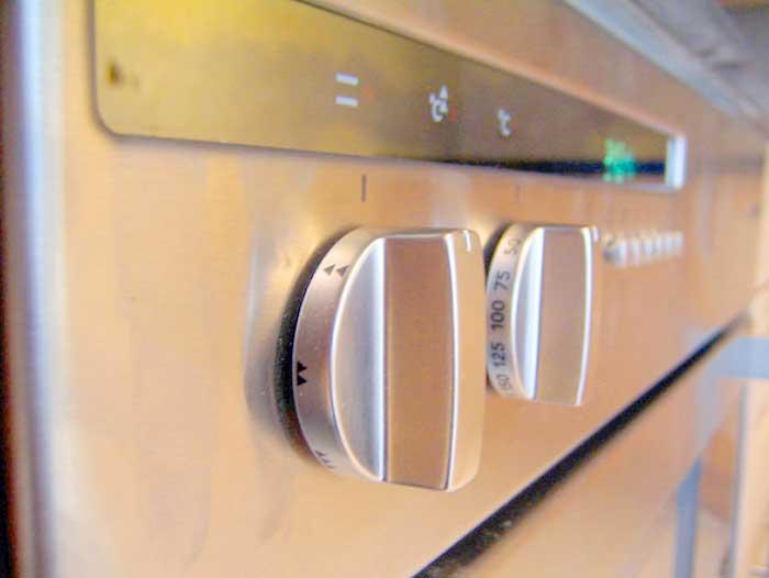Ovn rengøring - Fup og Fakta om rengøring af forskellige typer ovne